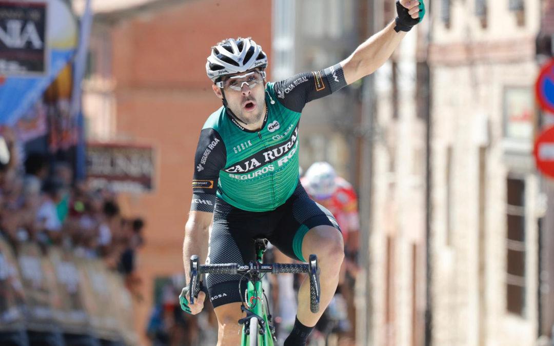 Jon Aberasturi, velocidad nacional para el Caja Rural-Seguros RGA en la Clásica de Almería