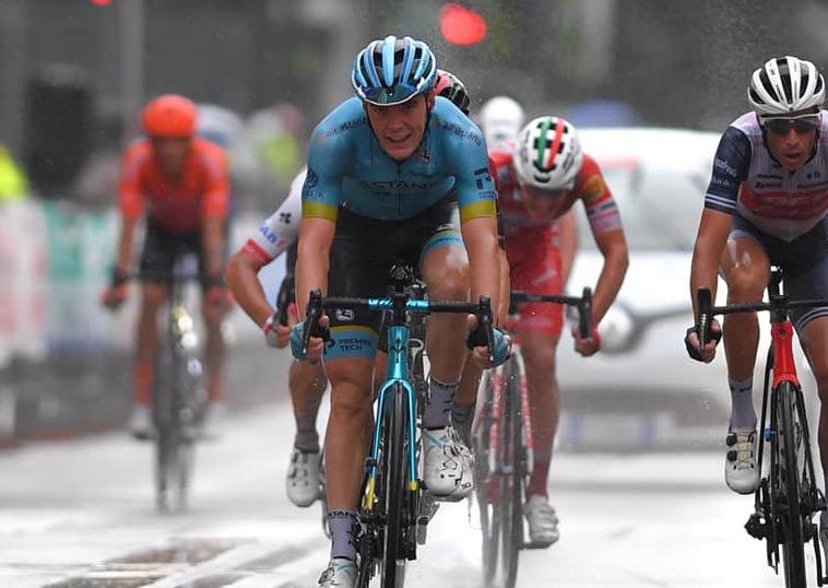Aranburu y Martinelli, las dos balas de Astana-Premier Tech en la Clásica de Almería