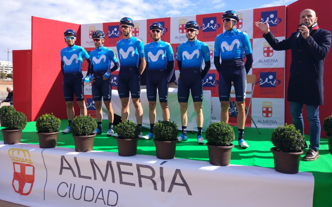 Alejandro Valverde inaugura su temporada en la Clásica de Almería, la carrera donde todo empezó